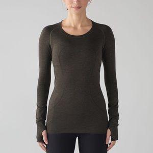 Lululemon swiftly tech gym top